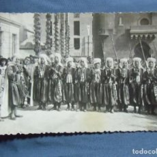 Fotografía antigua: ALCOY(ALICANTE) FIESTAS DE MOROS Y CRISTIANOS.FOTO-POSTAL AÑOS 40.. Lote 218534412
