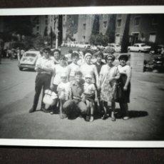 Fotografía antigua: FOTOGRAFÍA ANTIGUA FAMILIAR, SEAT 600,SEAT 1500, VOLKSWAGEN.... Lote 218538006