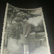 Fotografía antigua: ALMADEN, AÑOS 60,ANTIGUA FOTOGRAFÍA MUJER, FOTÓGRAFO CARRETERO. Lote 218543551