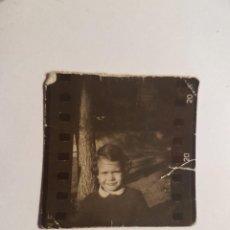 Fotografía antigua: HERMOSA NIÑA, BELLE FILLE, BEAUTIFUL GIRL, PEQUEÑA FOTO. SMALL PHOTO. PETITE PHOTO.. Lote 218649447
