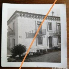 Fotografía antigua: ANTIGUA FOTOGRAFÍA. COLEGIO. MUNICIPIO DE SANTA COLOMA DE CERVELLÓ. BARCELONA. FOTO AÑO 1935.. Lote 218809770
