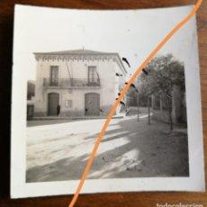 Fotografía antigua: ANTIGUA FOTOGRAFÍA. COLEGIO. MUNICIPIO DE SANTA COLOMA DE CERVELLÓ. BARCELONA. FOTO AÑO 1935.. Lote 218809952