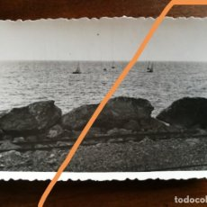 Fotografía antigua: ANTIGUA FOTOGRAFÍA. REGATAS EN GARRAF. SITGES. BARCELONA. FOTO AÑO 1949.. Lote 218816215