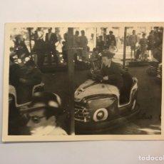 Fotografía antigua: VALENCIA. FOTOGRAFÍA ANTIGUA. AQUELLAS TARDES FESTIVAS EN LOS COCHES DE CHOQUE.. (H.1960?). Lote 219024530