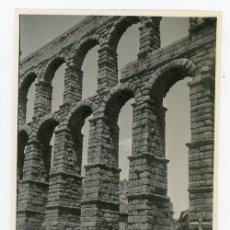 Fotografía antigua: FOTO ORIGINAL SEGOVIA ACUEDUCTO CARRO TIRADO POR BUEYES AÑO 1946. Lote 220944933
