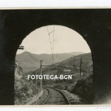 Fotografía antigua: FOTO ORIGINAL TREN DE BARCELONA RIBES DE FRESER TUNEL FERROCARRIL AÑO 1944. Lote 221261766