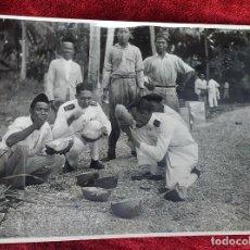 Fotografía antigua: 9 FOTOGRAFÍAS. BARCOS Y MILITARES. PROBABLEMENTE TOMADAS EN INDONESIA. CIRCA 1910. Lote 221661718