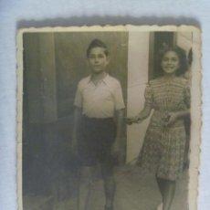 Fotografía antigua: MINUTERO DE FOTOGRAFO AMBULANTE DE NIÑOS PASEANDO, 1943. Lote 222391980