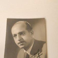 Fotografía antigua: FOTOGRAFIA RETRATO ORIGINAL DEL PINTOR FELIX DE FRUTOS, 1949. Lote 222488451