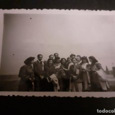Fotografía antigua: MADRID GRUPO DE ALUMNOS CIUDAD UNIVERSITARIA ANTIGUA FOTOGRAFIA AÑOS 40. Lote 222506610