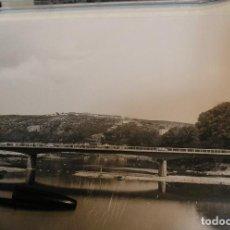 Fotografía antigua: FOTO FOTOGRAFIA CONTRUCCION DEL NUEVO PUENTE DE LA BARCA Y ACCESOS GERONA AÑOS 60 , 17,50 X15,50. Lote 223033547