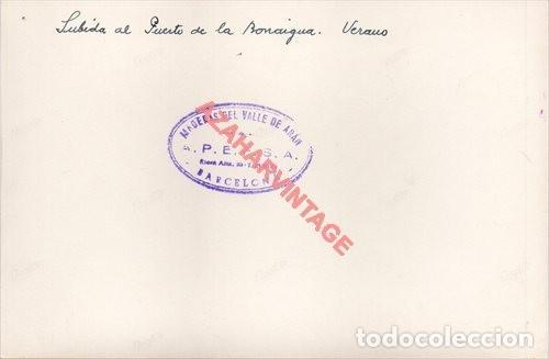 Fotografía antigua: FOTOGRAFIA 18X12 - AÑOS 40 - MADERAS DEL VALLE DE ARAN - BARCELONA - SUBIDA PUERTO BONAIGUA - Foto 2 - 223453542