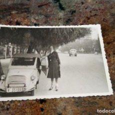 Fotografía antigua: ANTIGUA FOTO BISCUTER MATRICULA V 35199 / 1958. Lote 225744865