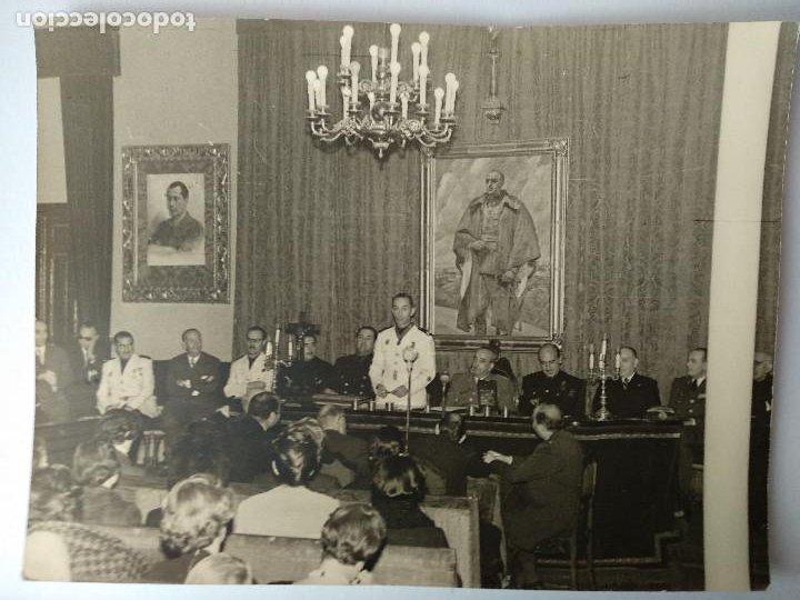 IMPOSICIÓN PLACA ORDEN CISNEROS AL ALCALDE LUIS GÓMEZ LAGUNA, FOTO ALPI, ZARAGOZA. 1958, (Fotografía Antigua - Fotomecánica)