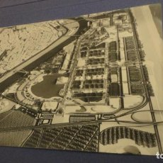 Fotografía antigua: ANTIGUA FOTOGRAFIA DE MAQUETA SEVILLA EXPO 92.. Lote 226685640