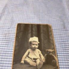 Fotografía antigua: FOTOGRAFÍA NIÑA CON JUGUETE. OSO. PALMA. MALLORCA. AMER. Lote 227248230