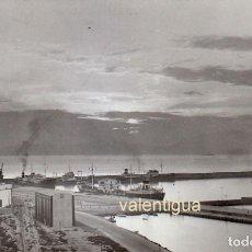 Fotografia antica: PRECIOSA FOTOGRAFÍA. VISTA DEL PUERTO DE ESCOMBRERAS, CARTAGENA, MURCIA. AÑO 1961 GF. Lote 230404085