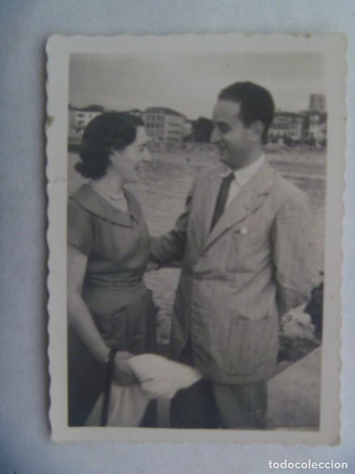 FOTO DE PAREJA , 1950 (Fotografía Antigua - Fotomecánica)