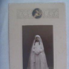 Fotografía antigua: PRECIOSA FOTO DE ESTUDIO DE NIÑA PRIMERA COMUNION. DE SAPORTA , GANDIA . TOTAL 15,5 X 23,5 CM. Lote 235480240