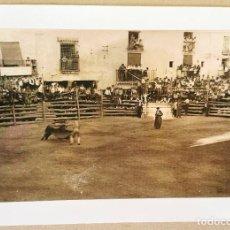 Fotografía antigua: FOTO ANTIGUA REPRODUCCION. PLAZA DE TOROS CIFUENTES 1 SEPBRE. AÑO 1941 MEDIDAS 210 X 297 MM. DIN A4. Lote 235502055