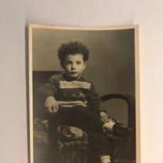 Photographie ancienne: H. RIPOLL FOTÓGRAFO. VILLENA (ALICANTE) EL NIÑO TOMAS (A.1958). Lote 235584115