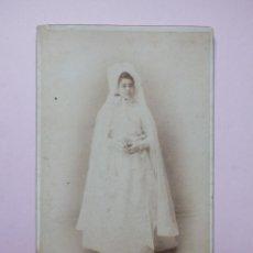 Fotografía antigua: MORATALLA FOTO ALBÚMINA DE GABINETE NIÑA CON TRAJE DE COMUNIÓN. Lote 236635435