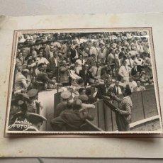 Fotografía antigua: LUIS MIGUEL DOMINGUIN FOTO ORIGINAL MATEO BARCELONA 1950 TOROS TAUROMAQUIA. Lote 241431610
