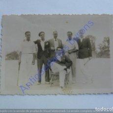 Fotografía antigua: SANTA BRIGIDA. GRAN CANARIA. MAYO DE 1936. JUGADORES DE TENIS (8,5 X 6 CM). Lote 243878685