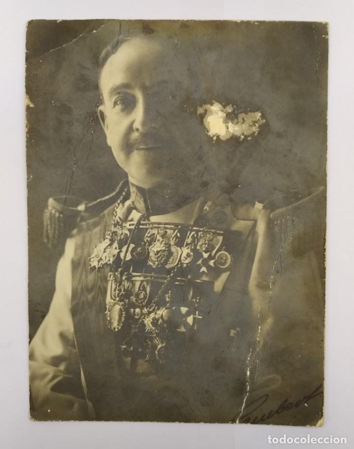 Fotografía antigua: Fotografía Kaulak ¿ Jesús Bernaldo marques de Quirós ? Condecoración Alfonso XIII Isabel naval - Foto 3 - 243938715