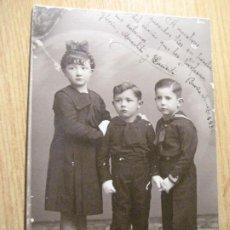 Fotografía antigua: ANTIGUA FOTOGRAFIA FOTO , NIÑOS AÑO 1934 - FOTO STUDIO BARCELONA. Lote 245736975