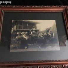 Fotografía antigua: ANTIGUA FOTOGRAFÍA ENMARCADA DE ESCENA RURAL ASTURIANA. Lote 248735255