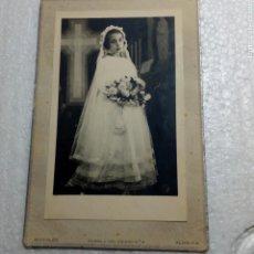 Fotografía antigua: ALMERÍA FOTO MORALES ANTIGUA. NIÑA COMUNION. AÑOS 50/60. Lote 249593835