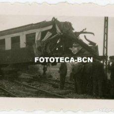 Fotografía antigua: LOTE 6 FOTOS ORIGINALES ACCIDENTE FERROCARRIL TREN ESPAÑA AÑOS 40. Lote 260641570