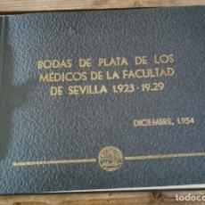 Fotografía antigua: SEVILLA, 1954, ALBUM FOTOGRAFICO BODAS DE PLATA MEDICOS PROMOCION 1923-1929, 13 FOTOGRAFIAS. Lote 266580023
