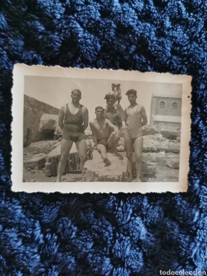 ANTIGUA FOTOGRAFIA MILICIANOS EN LA PLAYA (DESCONOZCO CUAL PLAYA ES) (Fotografía Antigua - Fotomecánica)