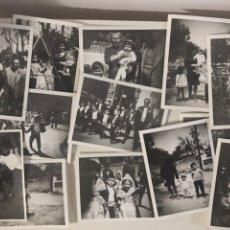 Fotografía antigua: LOTE 40 FOTOGRAFÍAS FAMILIA AÑOS 50 60 FOTOS BLANCO Y NEGRO MUJER NIÑO PLAYA PAISAJES ESPAÑA ANTIGUA. Lote 268984134