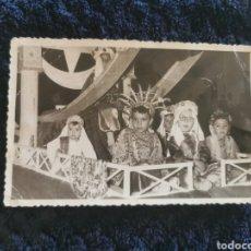 Fotografía antigua: ANTIGUA FOTOGRAFIA FIESTAS MOROS Y CRISTIANOS VILLENA FOTOGRAFIA EL AVION VILLENA 1957. Lote 269249278