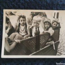 Fotografía antigua: ANTIGUA GRAN FOTOGRAFIA FIESTAS MOROS Y CRISTIANOS VILLENA FOTOGRAFO E.UTRILLA VALENCIA 1962. Lote 269252353