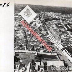 Fotografia antica: BOLLULLOS DEL CONDADO,HUELVA, ANTIGUA FOTOGRAFIA,VISTA AEREA, PAISAJES ESPAÑOLES,128X178MM. Lote 269608923