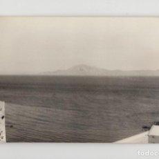 Fotografía antigua: ESTRECHO DE GIBRALTAR. AFRICA VISTA DESDE TARIFA (TAMAÑO 9 X 13´9). Lote 277518018
