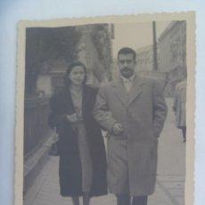 Fotografía antigua: MINUTERO DE FOTOGRAFO CALLEJERO DE PAREJA PASEANDO . DE ANELL, MADRID. Lote 278522933