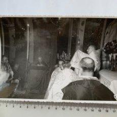 Fotografía antigua: FOTO. CELEBRACIÓN EUCARÍSTICA EN LA BASÍLICA DE LA VIRGEN. F. G. OLALLA, FOTÓGRAFO. VALENCIA.. Lote 278523343
