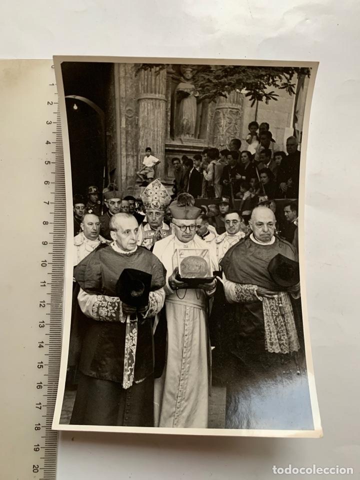 FOTO. TRASLADO RELIQUIA DE S.VICENTE DESDE STO. DOMINGO. FOTO REPORTAJE R. GARCIA CATALÁN, 1957. (Fotografía Antigua - Fotomecánica)