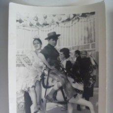 Fotografía antigua: MINUTERO DE FOTOGRAFO DE FERIA : NIÑA VESTIDA DE FLAMENCA Y NIÑO DE CAMPERO EN CABALLO.. 12 X 18 CM. Lote 280117473