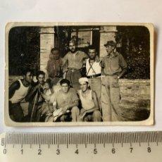 Fotografia antica: FOTO. COMPAÑEROS EN EL SERVICIO MILITAR. RCDO. F. B. FOTÓGRAFO?. MARTOS. JAÉN. FECHA, 19 JULIO 1937.. Lote 284338358