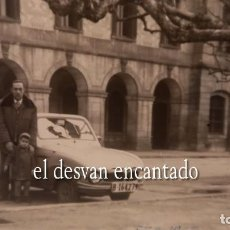 Fotografía antigua: PARQUE CIUDADELA. BARCELONA 1959. FOTO ORIGINAL 10 X 8 CTMS. PEQUEÑO UTILITARIO BMW?. Lote 287908088