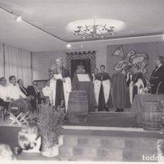 Fotografía antigua: INVESTIDURA SERENÍSIMO CAPÍTULO DE CABALLEROS DEL VINO – TARRAGONA - 14 JUNIO 1969 FOTOS VALLVÉ. Lote 289650948