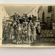 Fotografía antigua: MERIDA ? FOTOGRAFÍA GRUPO DE AMIGOS, PARA EL RECUERDO…(H.1950?) MEDIDAS: 6 X 8 CM.,. Lote 294576158