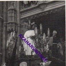 Fotografía antigua: SEMANA SANTA SEVILLA, AÑOS 60, MISTERIO HERMANDAD DE LA REDENCION, 72X102MM. Lote 297022703