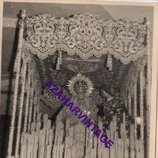 Fotografía antigua: SEMANA SANTA SEVILLA, AÑOS 60, LA VIRGEN DEL DULCE NOMBRE, 72X102MM. Lote 297024208